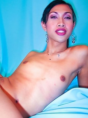 Jewel thrives in the nightlife and on the beach in Pattaya. A slender, sexy kathoey, she works as a bar fine girl and loves European men.