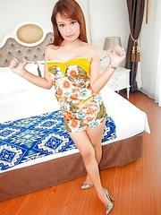 Post-Op Thai Ladyboy Bai Thong tropical dresss ur prise facial
