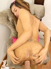 Winnie Puffy Back Door Bareback Extreme